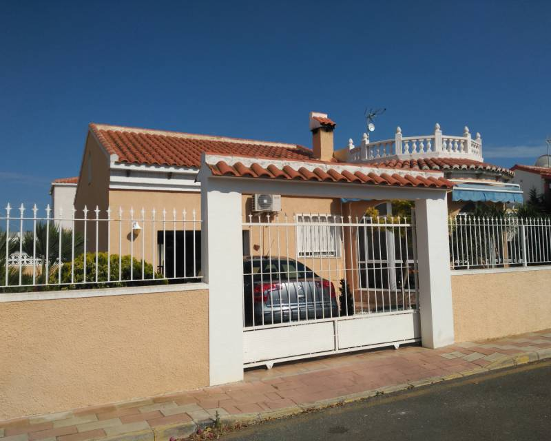 Detached Villa - Resale - Los Alcazares - Oasis urbanisation