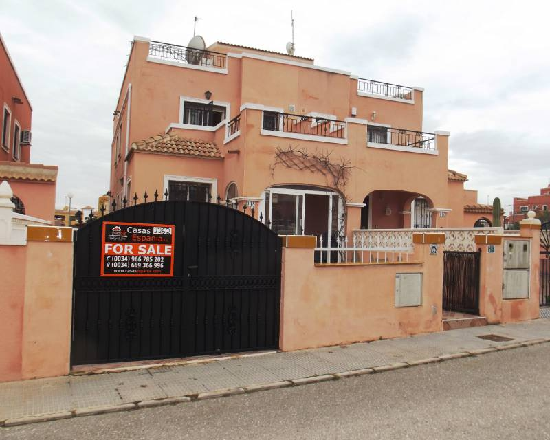 Detached Villa - Resale - Los Montesinos - La Herrada