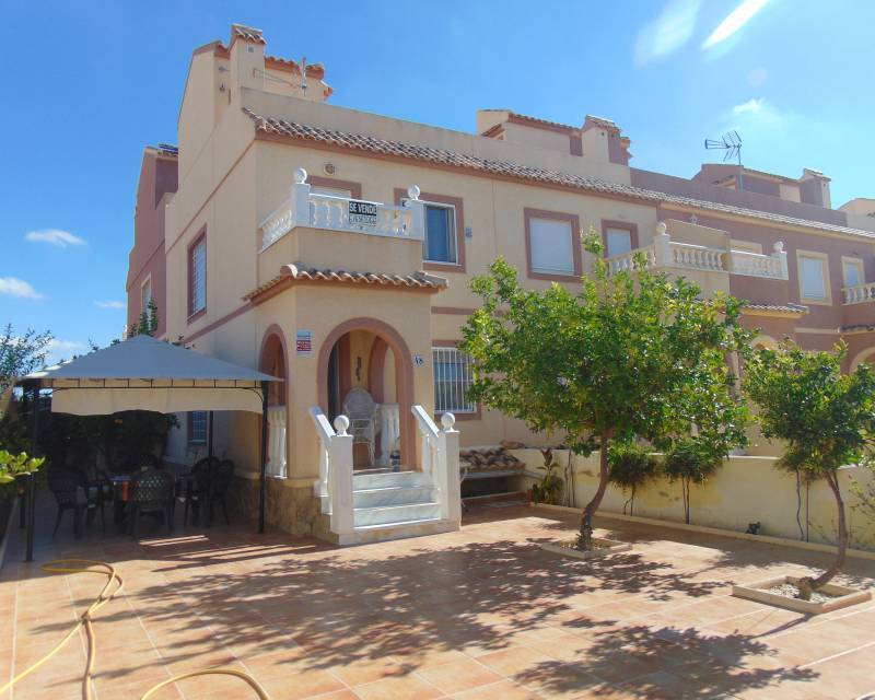 Townhouse  - Resale - Balsicas - Sierra Golf