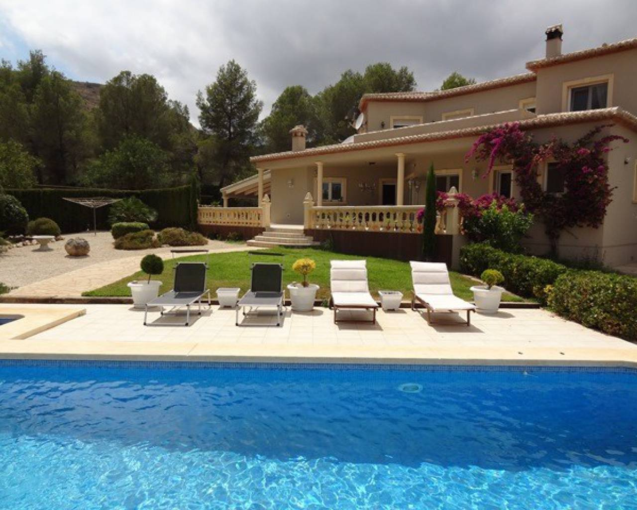 Resale - Country Property - Lliber