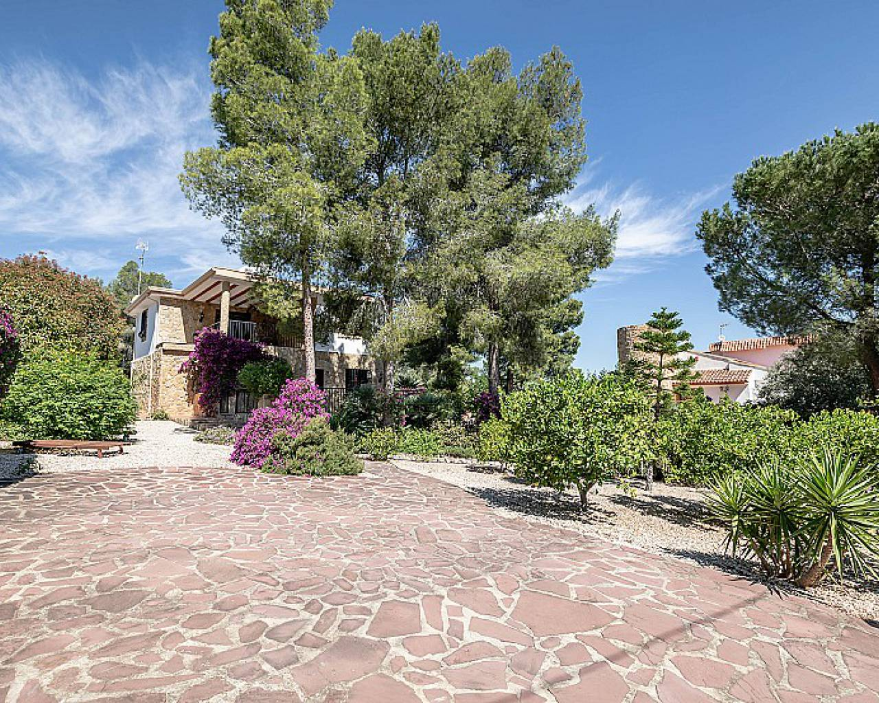 Resale - Detached Villa - Alberic