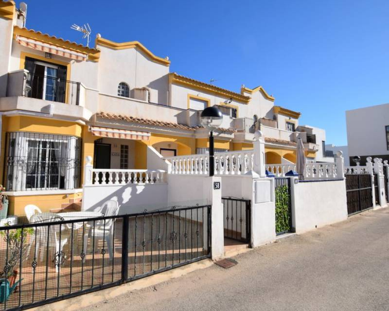 Townhouse  - Resale - El Raso - El Raso