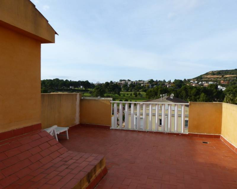 Townhouse  - Resale - Chiva - Chiva