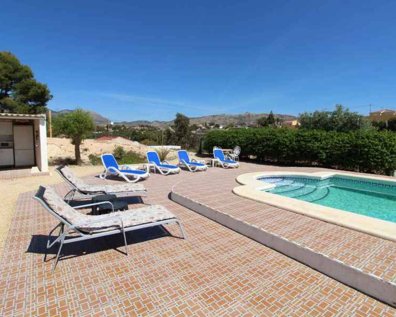 Resale - Detached Villa - Alicante