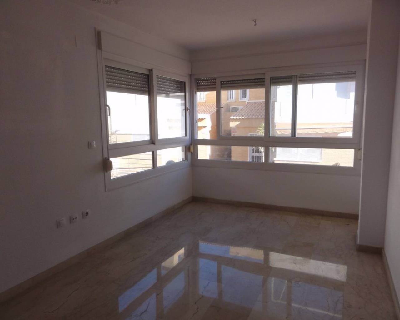 Resale - Bungalow - Alicante