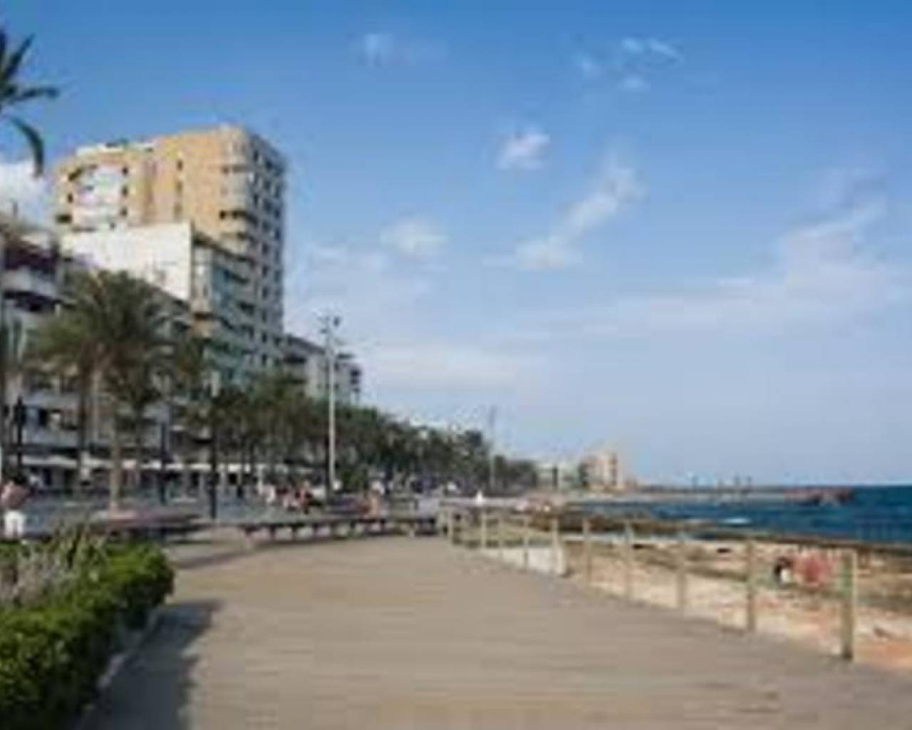 Resale - Commercial Unit - Torrevieja