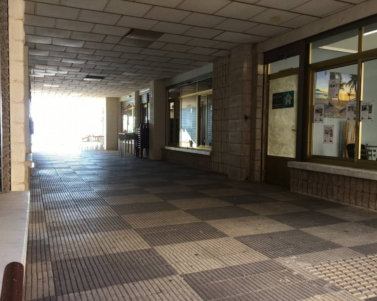 Resale - Commercial Unit - Los Alcazares