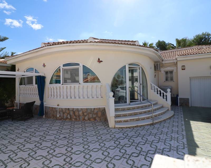 Detached Villa - Resale - Benijofar - Monte Azul