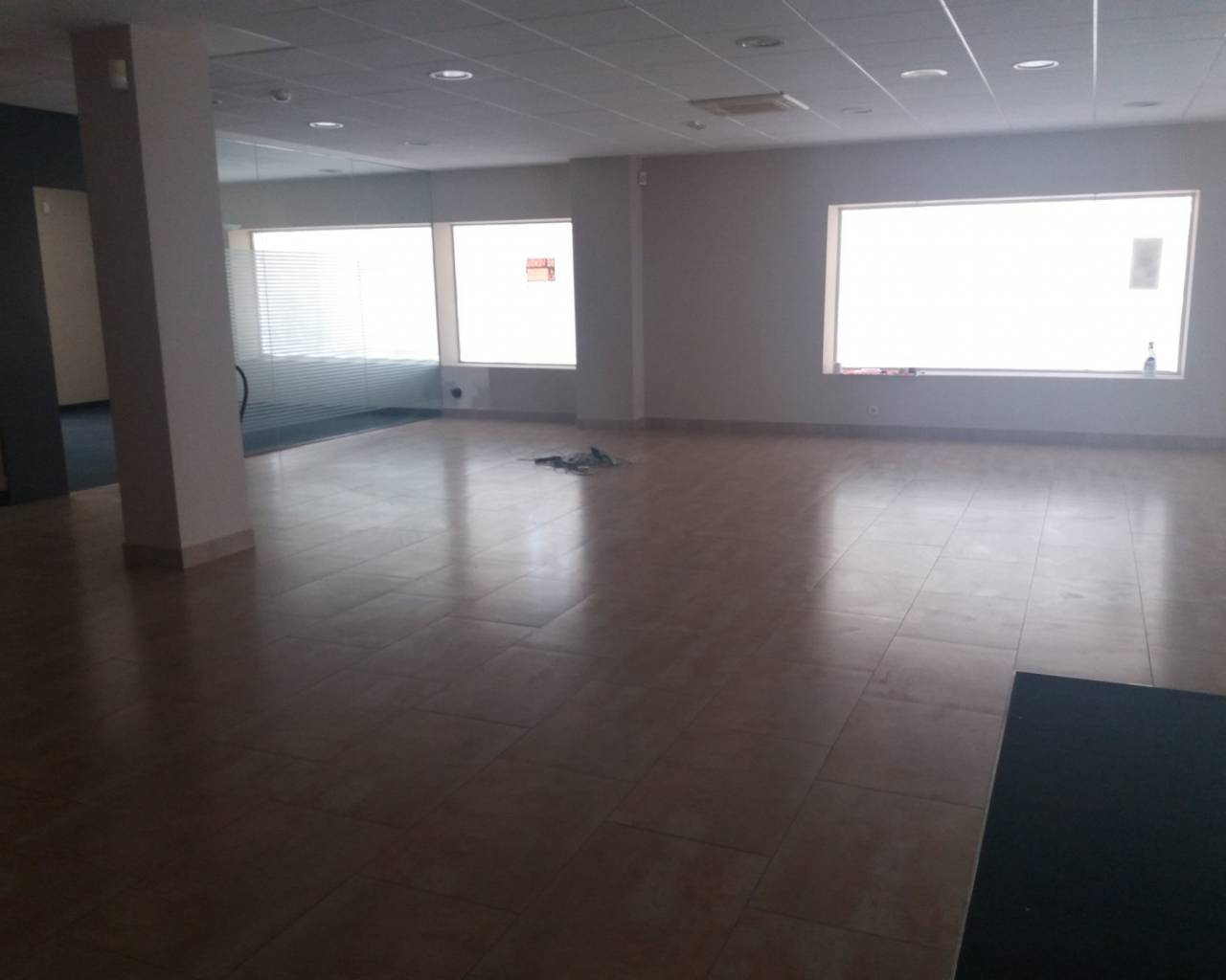Resale - Commercial Unit - Los Alcazares - Oasis