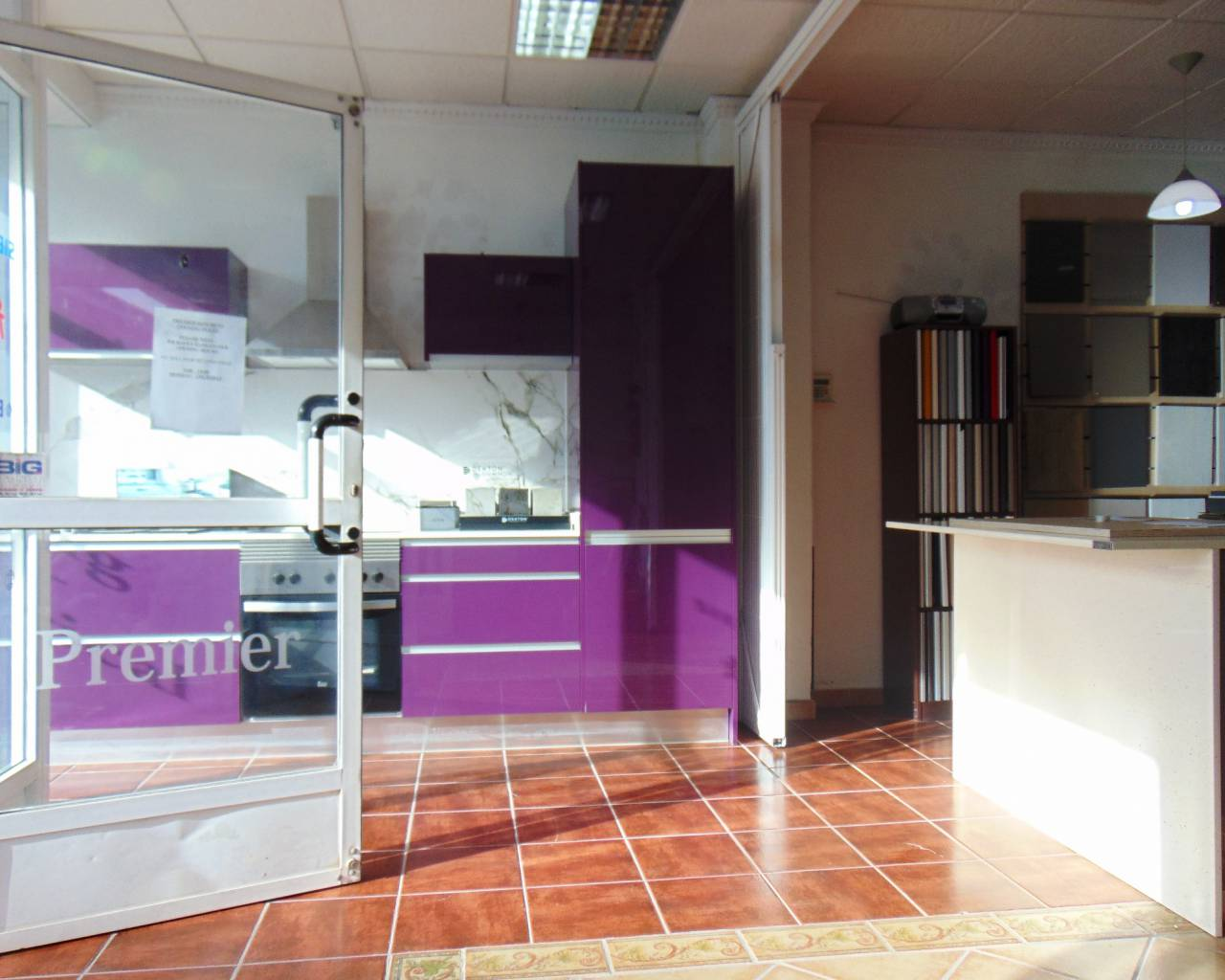 Resale - Commercial Unit - Los Montesinos