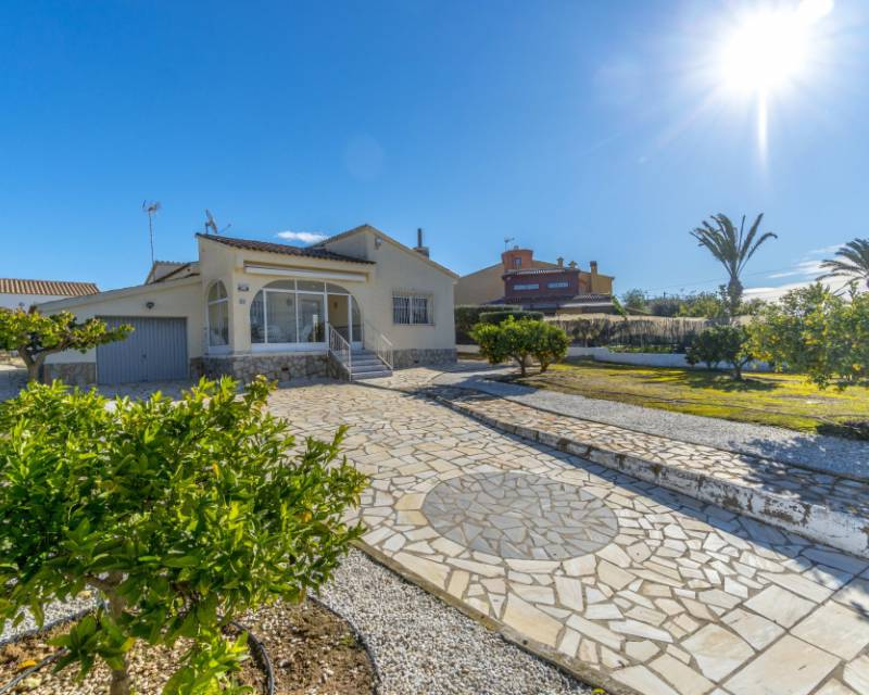 Detached Villa - Resale - Torrevieja - Torrevieja   Aguas Nuevas