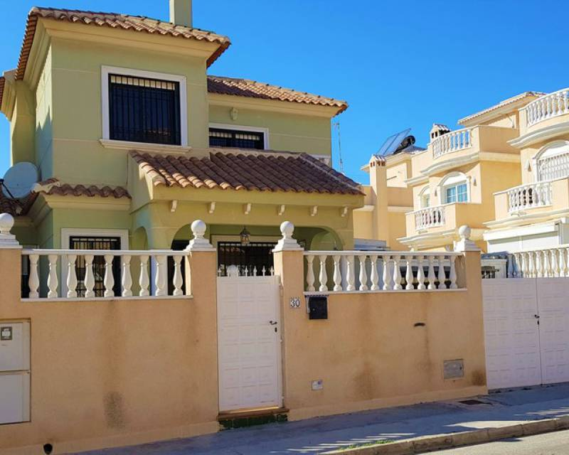 Semi Detached Villa - Resale - Torrevieja - Torrevieja