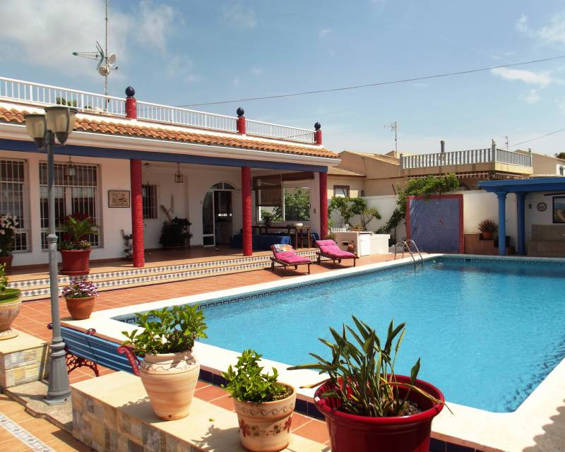 Detached Villa - Resale - Torrevieja - La Siesta