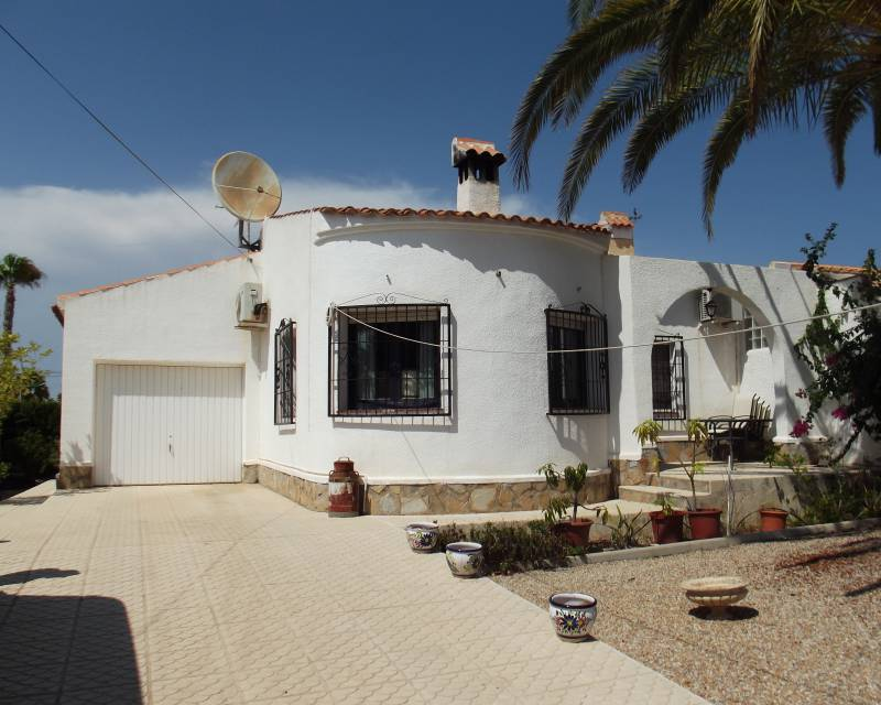 Detached Villa - Resale - Torrevieja - El Chaparral