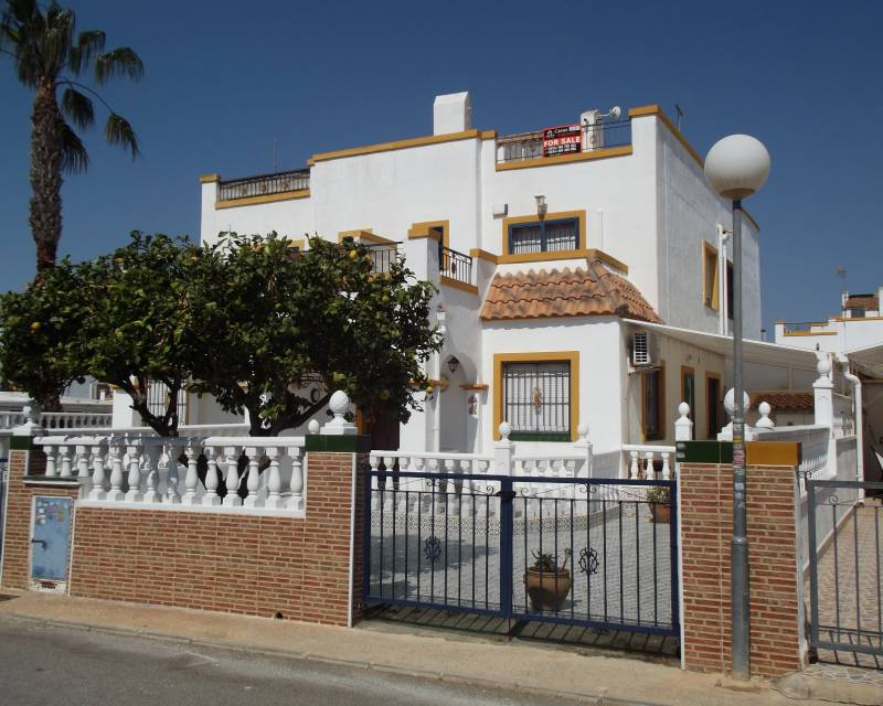 Detached Villa - Resale - Torrevieja - Jardin del Mar