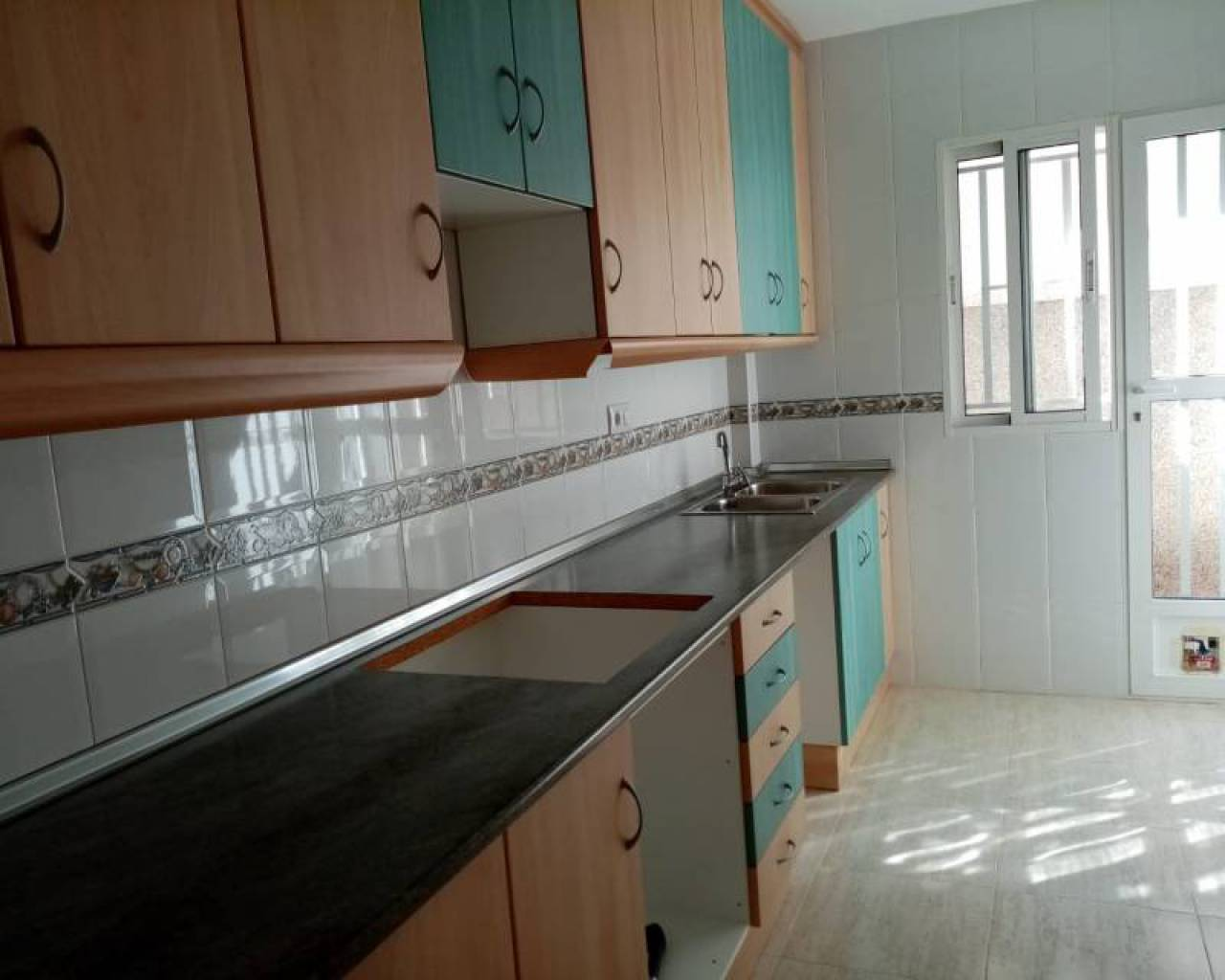 Resale - Semi Detached Villa - Los Alcazares