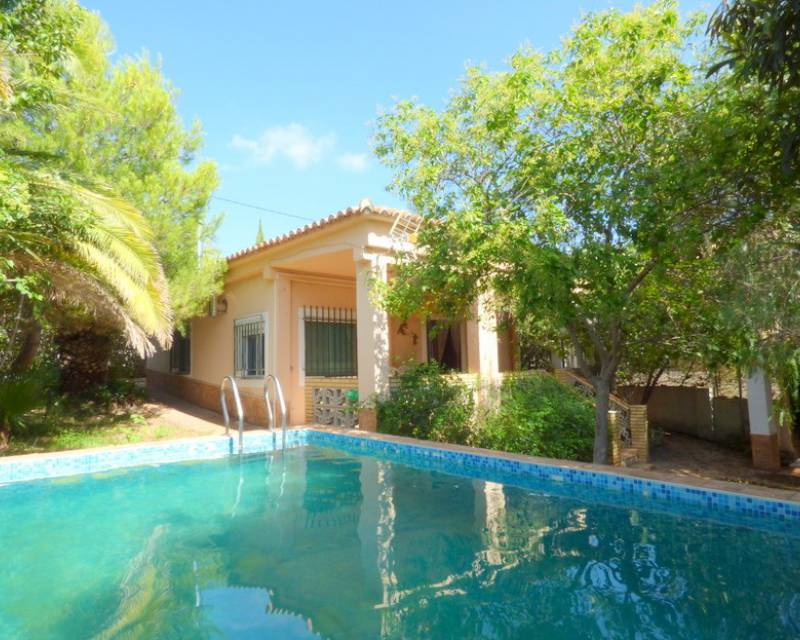 Detached Villa - Resale - Llombai - Llombai