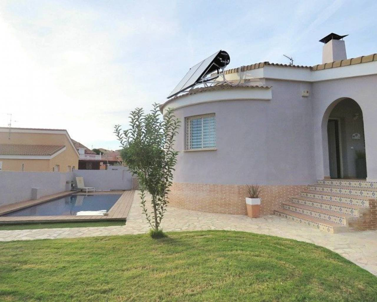 Resale - Detached Villa - La Pobla de Vallbona
