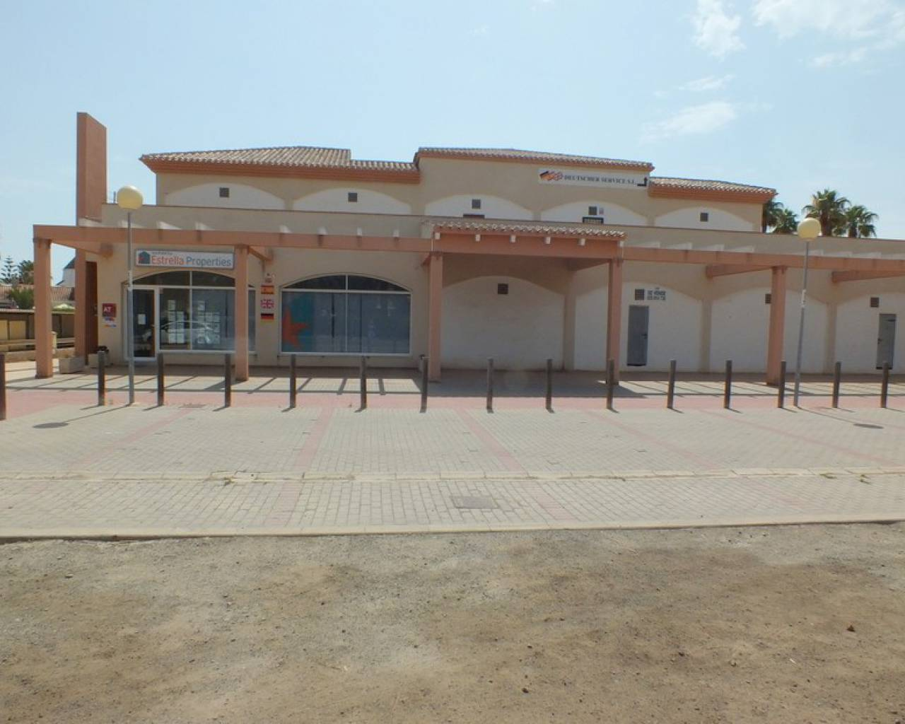 Resale - Commercial Unit - Los Urrutias