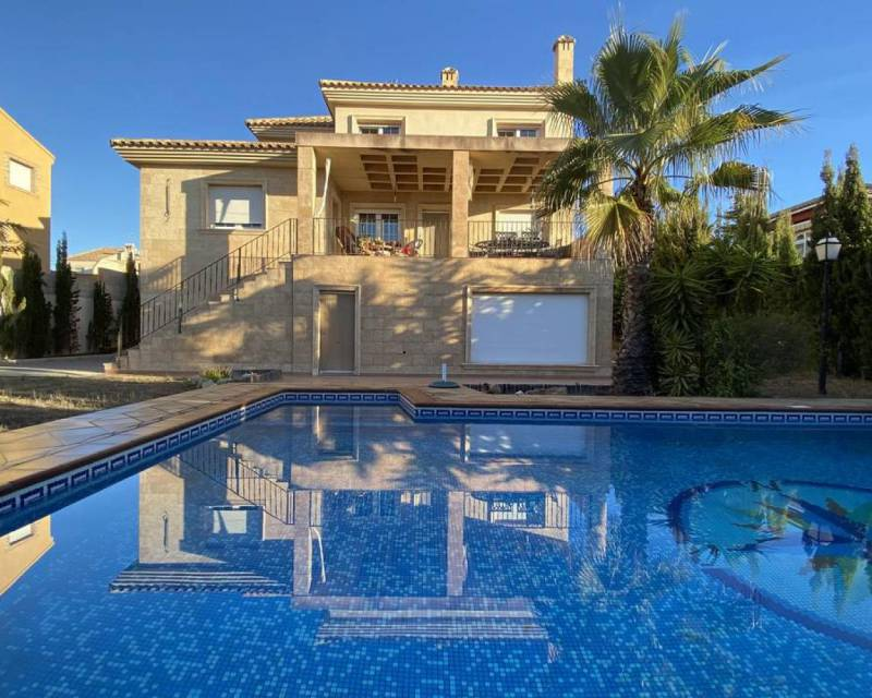 Detached Villa - Resale - Torrevieja - Aguas Nuevas